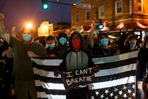 La indignación crece en EU tras la muerte de un hombre negro por la policía