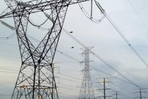 """AMLO y su """"chanclazo"""" energético: """"si se portan mal, les cambio la Constitución"""""""