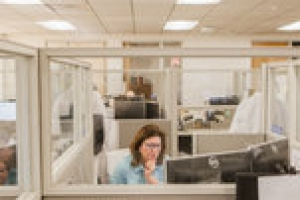 C.D.C. Suggests Big Changes to Offices: Temperature Checks and Desk Shields