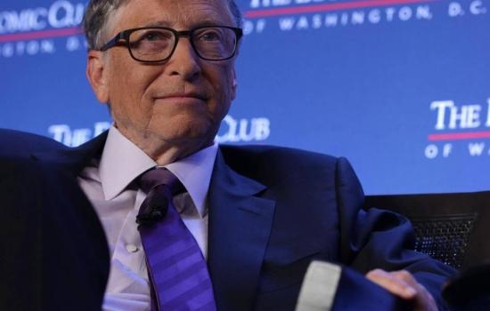 Bill Gates lamenta la 'locura de pruebas' de covid-19 en EE. UU.