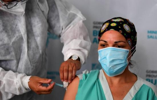 Tres de cada cuatro vacunas contra el covid se concentran en 10 países
