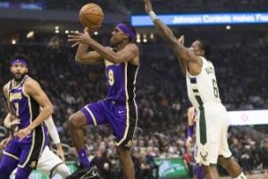 La NBA y sus lujos: Rondo critica su habitación en Orlando