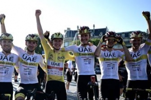 UAE Emirates, Jumbo-Visma y Bahrain, los grandes ganadores