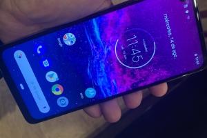 Motorola lanza el primer smartphone Action Cam