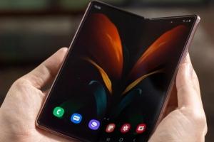 Samsung presentó su nuevo celular plegable en Colombia