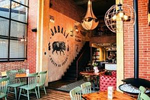 Jabalí, el restaurante que le rinde culto al cerdo