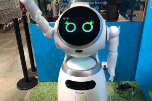 Supermercados colombianos evolucionan con robots y escáner de frutas