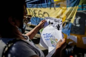 No para el luto por Maradona: así se sigue manifestando el mundo