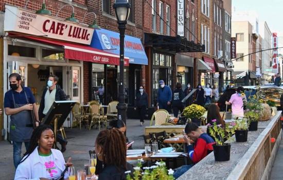 Nueva York exigirá certificado de vacunación para acceder a restaurantes