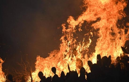 Nuevos incendios en California provocan evacuación de 90 mil personas